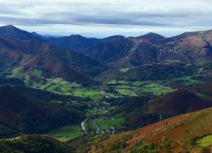 Le village d'Ossès depuis Haltzamendi